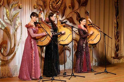 На ювілей зібрала Гребінківська музична школа своїх випускників