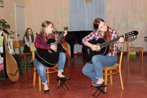 В Гребінківській дитячій музичній школі відбулися творчі звітні концерти