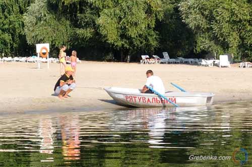 У Миргороді на курорті жінка зістрибнула з мосту в річку