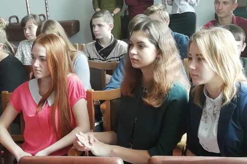 На Гребінківщині провели «Веселку робітничих професій»