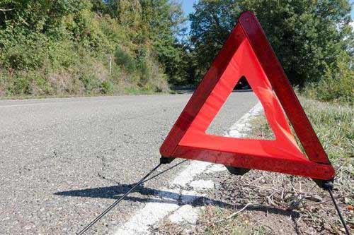 На Полтавщині легковик влетів ззаду у вантажівку: водій загинув