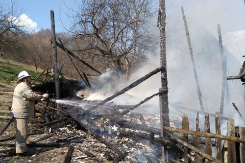 На Оржиччині рятувальники ліквідували пожежу у сіннику