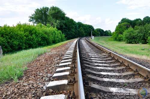 На Полтавщині швидкісний пасажирський потяг смертельно травмував невідомого чоловіка