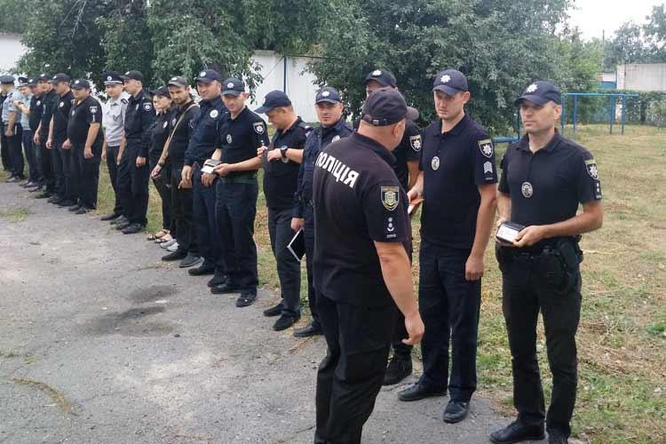 Поліцейські Гребінківщини ретельно готуються до проведення позачергових виборів
