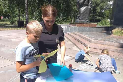 На Полтавщині поліція вийшли на вулиці, аби відкрито поговорити з дітьми і дорослими про різне