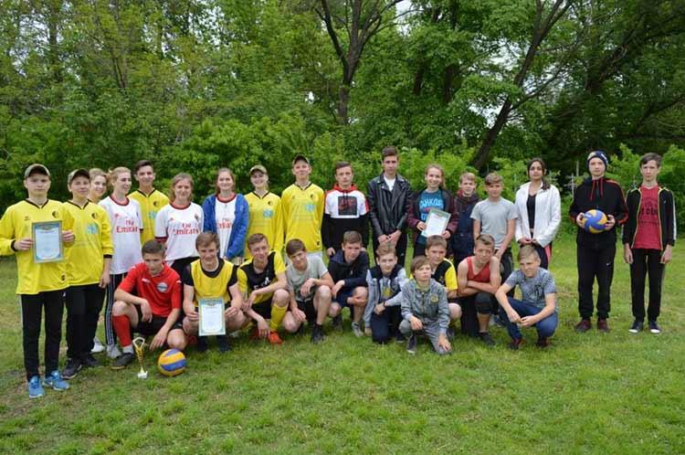 На Гребінківщині пройшла першість з волейболу серед школярів