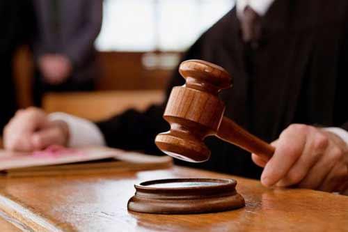 На Полтавщині засудили 16-річного хлопця, який наніс 20 ударів ножем сусідці через постійні сварки