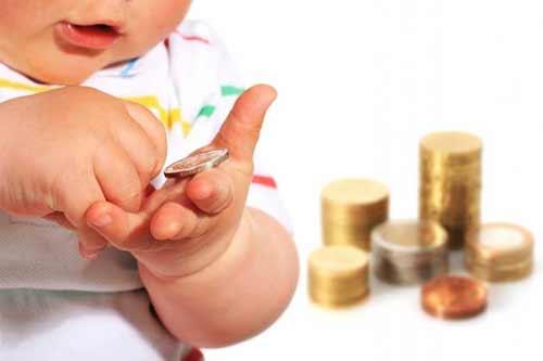 Не лише татусі: на Полтавщині 628 матерів сплачують аліменти на користь своїх дітей