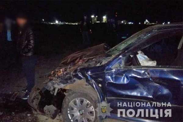 На Полтавщині під час зіткнення мікроавтобуса з легковиком одна людина загинула та троє травмовані