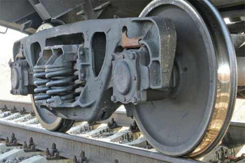 На Полтавщині вантажний потяг тяжко травмував 47-річного чоловіка