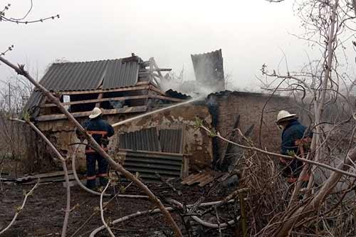 На Гребінківщині гасили пожежу в господарчій будівлі (ФОТО)