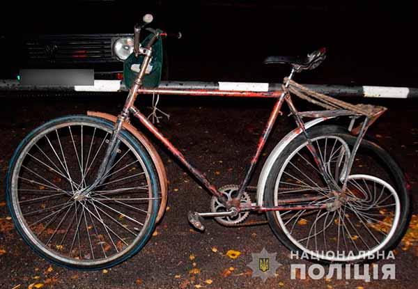 У Лубнах легковик збив пенсіонера на велосипеді