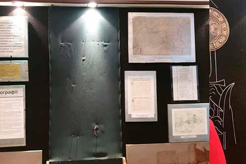 Миргородський музей пограбували — винесли експонати стародавньої зброї