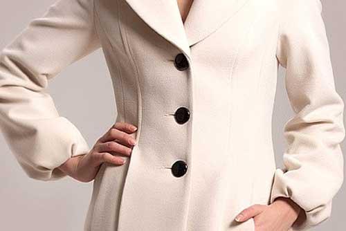 Чем почистить пальто в домашних условиях без стирки