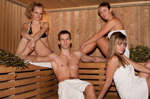 фото мужиков в сауне бане с телками