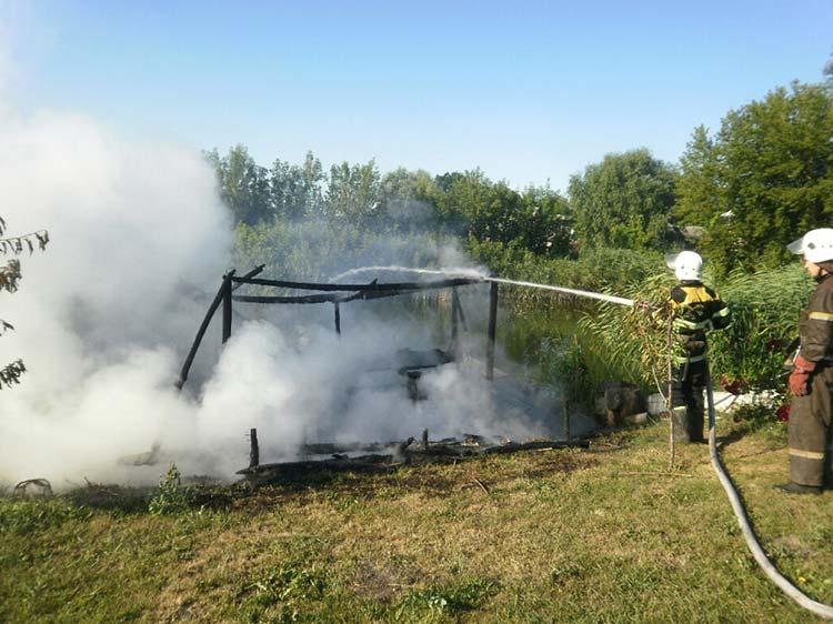 Впродовж минулої доби на Прикарпатті було зареєстровано дві пожежі