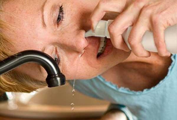 Как лечить насморк в домашних условиях народным способом